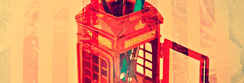 Телефонная будка с подставкой для ручек